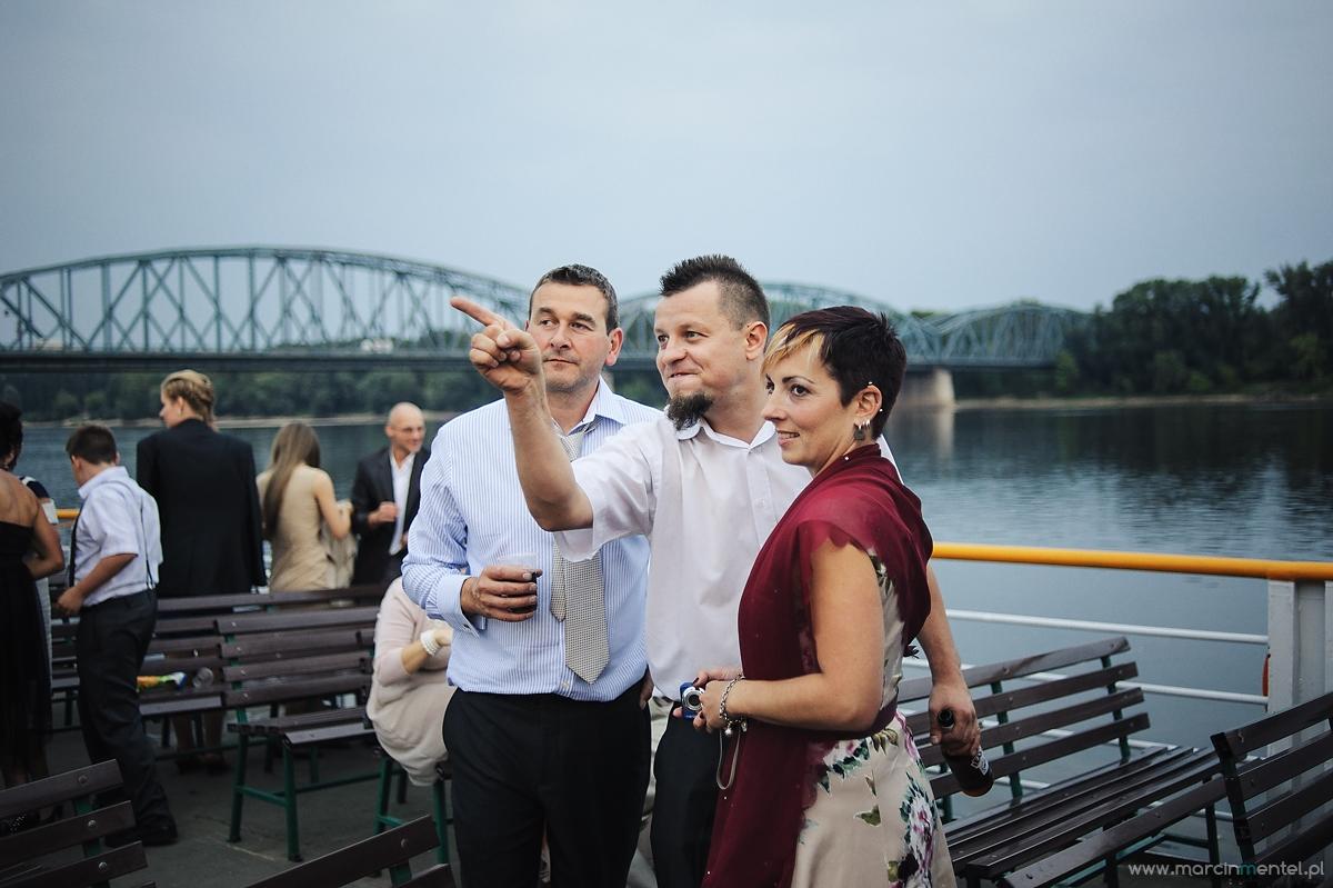 reportaż_ślubny_toruń_hotel_gotyk_rubinkowo_USC_barka_na_statku1000