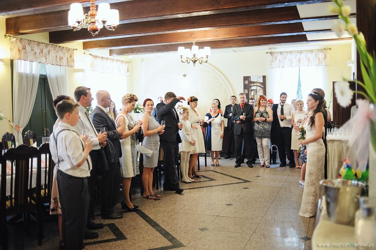 reportaż_ślubny_toruń_hotel_gotyk_rubinkowo_USC_barka_na_statku933