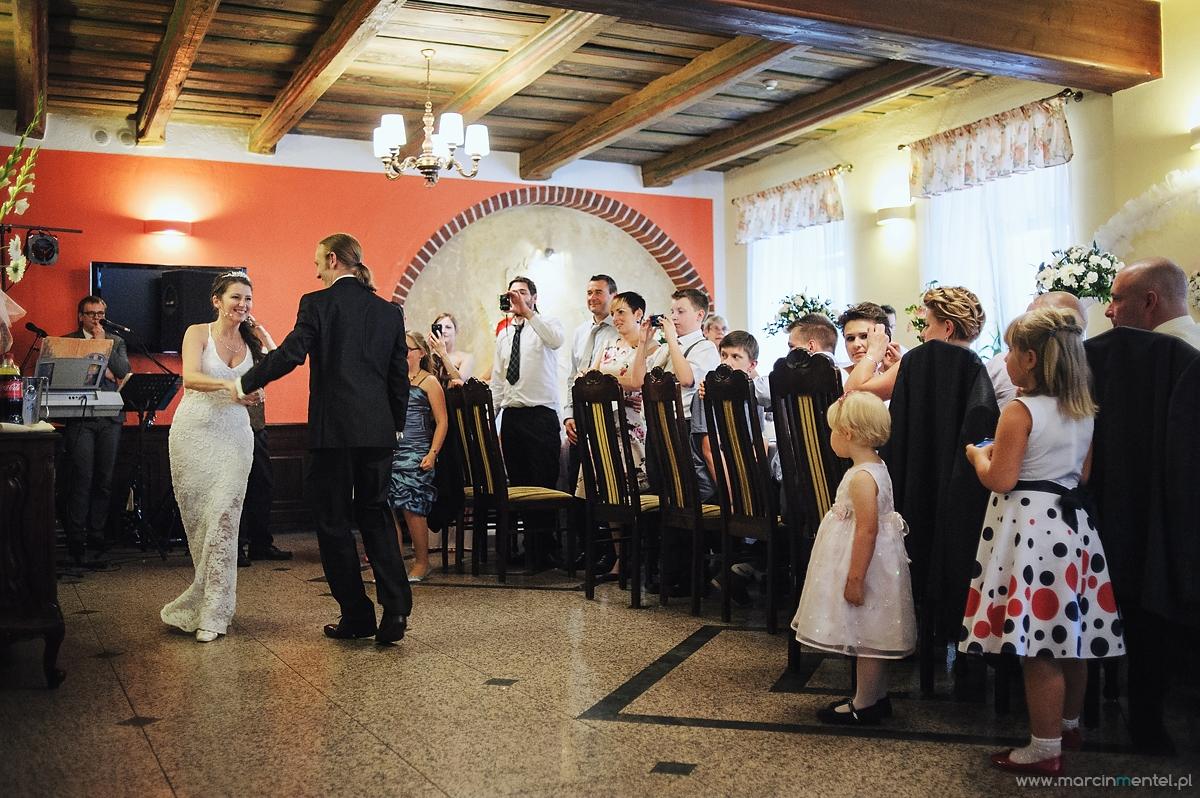 reportaż_ślubny_toruń_hotel_gotyk_rubinkowo_USC_barka_na_statku946