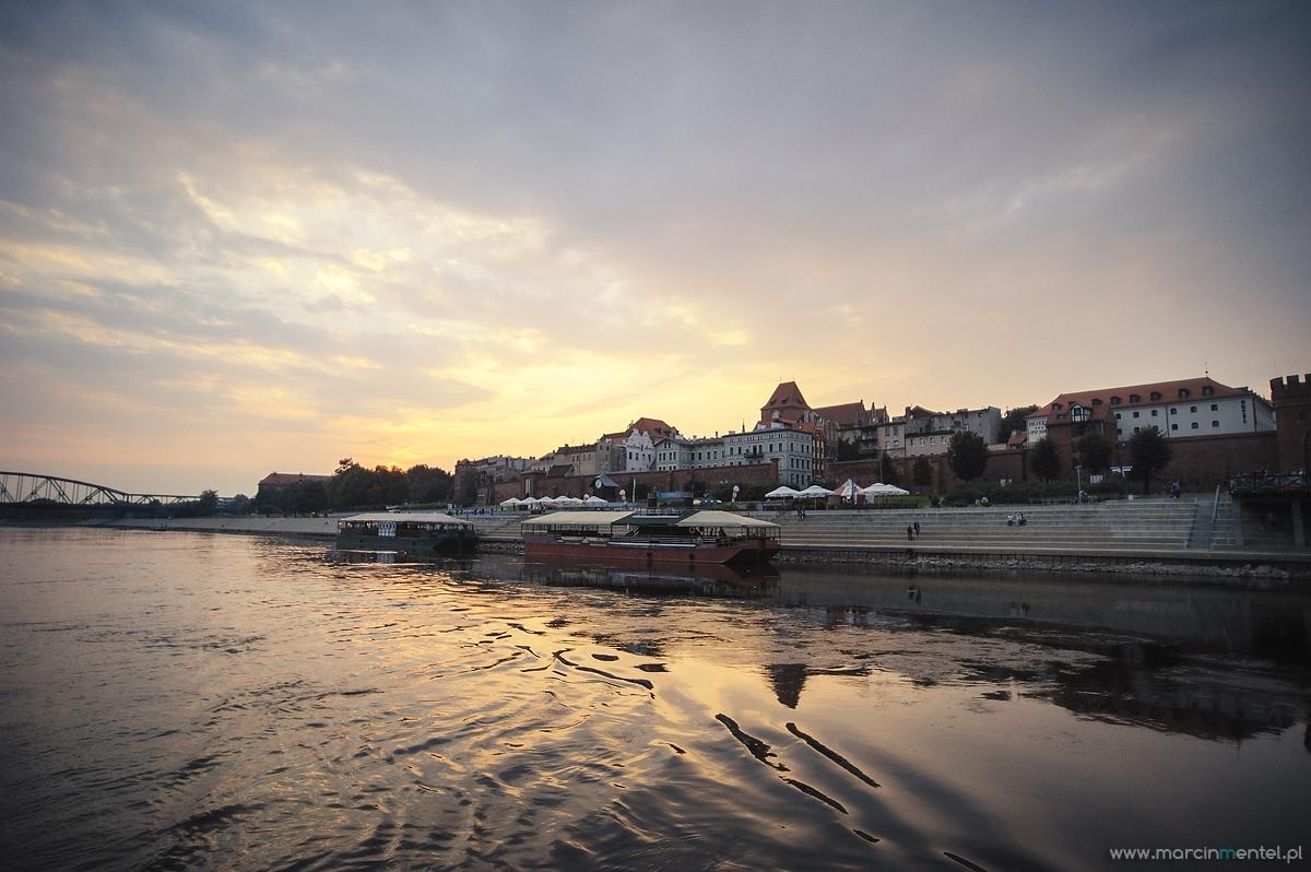 reportaż_ślubny_toruń_hotel_gotyk_rubinkowo_USC_barka_na_statku990