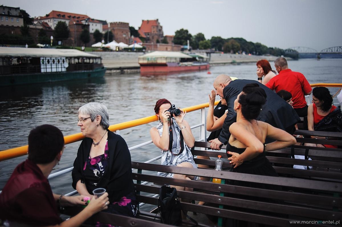 reportaż_ślubny_toruń_hotel_gotyk_rubinkowo_USC_barka_na_statku996