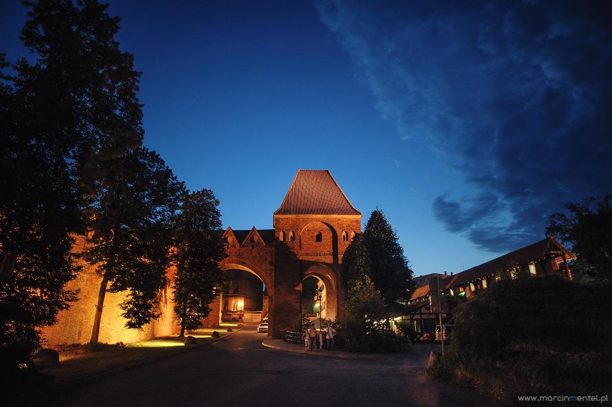 fotografia_slubna_reportaz_slubny_Torun_hotel_1231_parafia_jakuba_plener_slubny_torun_i_okolice0528